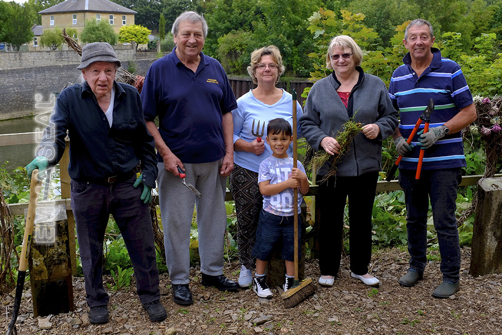 Volunteers in the garden - Bath Carers Centre